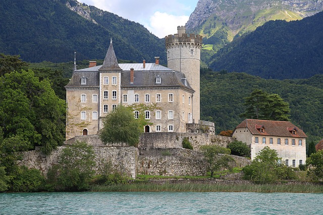 Annecy chateau lac