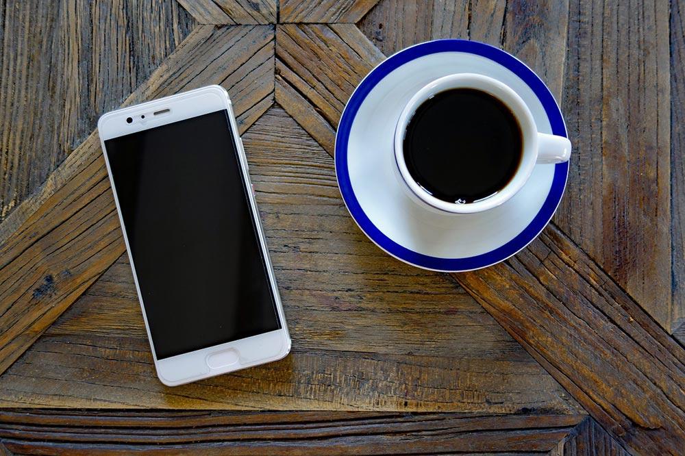 huawei p30 un smartphone haut de gamme avec 4 capteurs. Black Bedroom Furniture Sets. Home Design Ideas